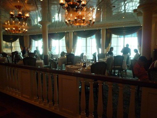 Pride of America: Jefferson's Bistro Inside
