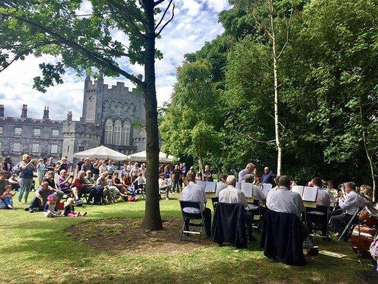 Κίλκεννι, Ιρλανδία: Music in the Garden
