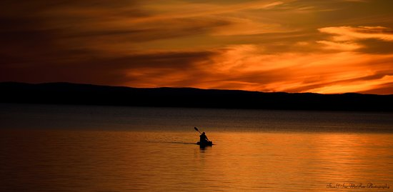 Golden Lake, Kanada: Beautiful sunsets. Great place to paddle. Photo provided by Stan and Sue McRae Photography @McMillansGoldenLake