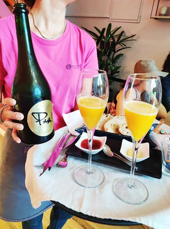 A Tipsy Brunch with mimosas!