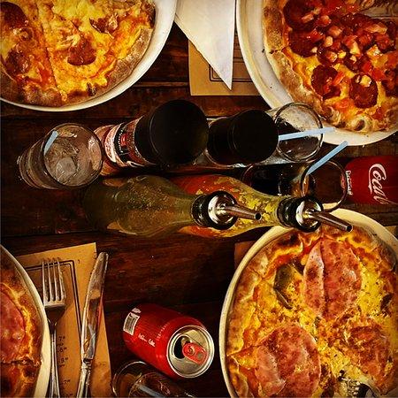Fantastisk god Pizza - som på det beste i Italia