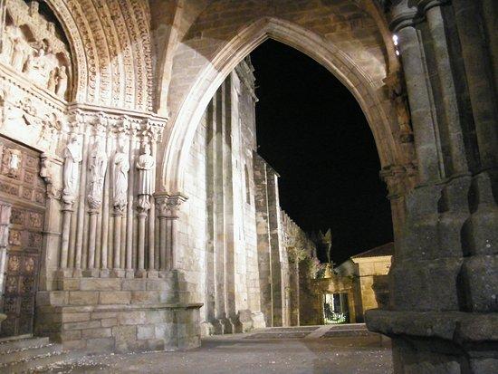 cattedrale Tui il porticato