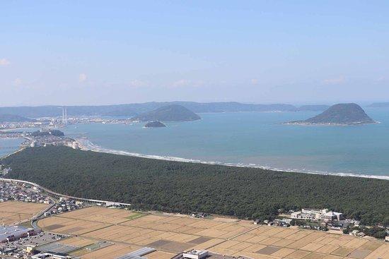 虹の松原と唐津湾が一望できます2