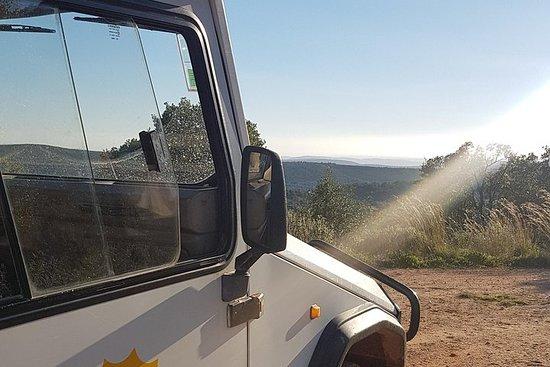 Coucher de soleil en jeep par les...