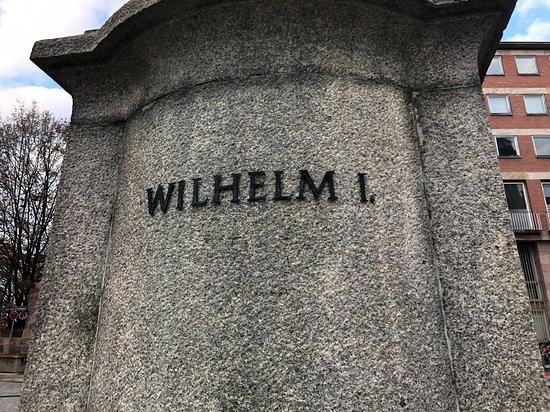 Kaiser Wilhelm I Denkmal -- Egidienplatz