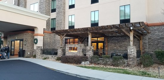 Front of hotel and out door patio area