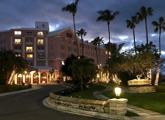 The Princess Hotel Beautifully Light