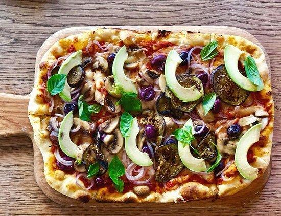 Pizza (vegan option)