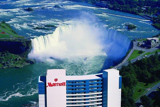 Have No Free Parking Review Of Niagara Falls Marriott