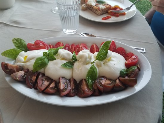 Farnetella, Italija: Tomatoes and Mozzarella