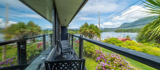 Kanada: You have to dig pretty deep and spend a lot of time before you find much information on Tofino Waterfront Condosrentals that is focused on helping the consumer to learn the ups and downs of vacation rentals. Call today (250) 725-2055.