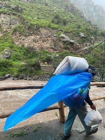 Classic Inca Trail to Machu Picchu 4D: Porter
