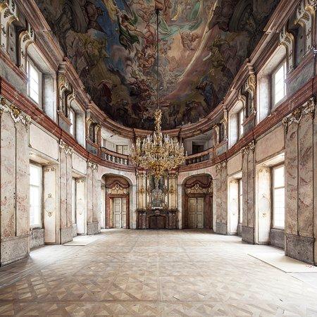Colloredo-Mansfeldský Palác / Galerie hlavního města Prahy