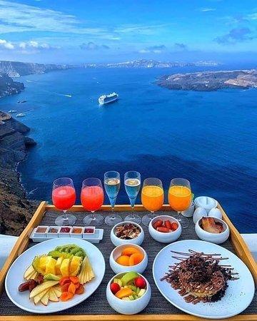 Ελλάδα: Café da manhã em Santorini, Grécia 🇬🇷💙