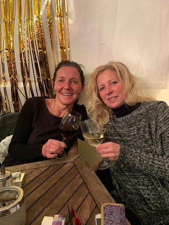 Restaurant Cafe Bar Hirsch: Mit Schwesterherz