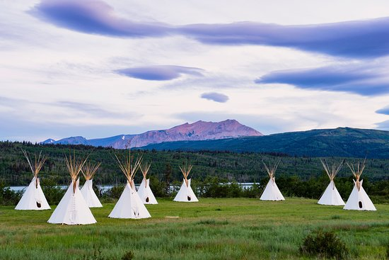 Glacier Country, Монтана: Rent a teepee at Chewing Black Bones Campground in Babb.