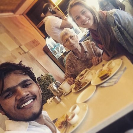 Private Driver For Golden Triangle Tour: Our lovely driver, my grandma and me on our last day of the tour in a restaurant in Jaipur