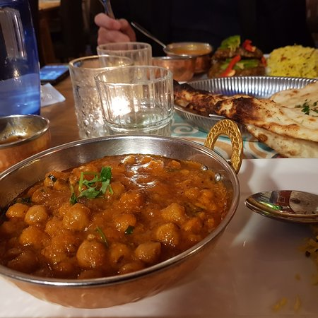 Good and spicy Indian Cuisine