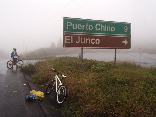 Mountain biking to El Junco