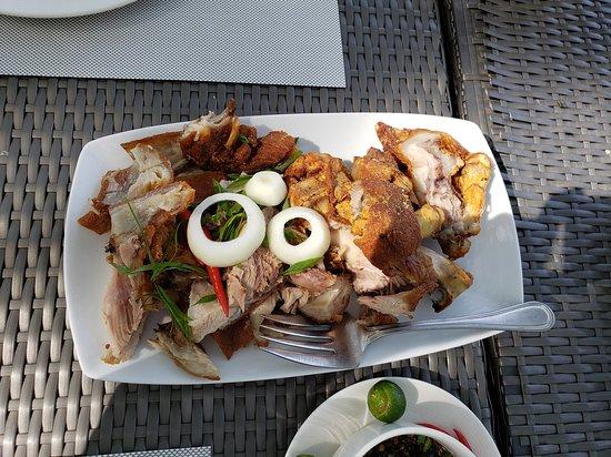 Anvaya Cove Beach & Nature Club: Crispy Pata