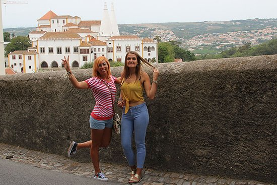 Sintra Municipality, โปรตุเกส: Fodor Dora & Miriam on tour with Astrolabe tours & travel