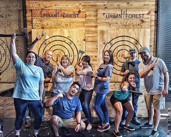 Bentonville, AR: Throwing axes looks REALLY GOOD on you! Book a session this weekend and prove us right!