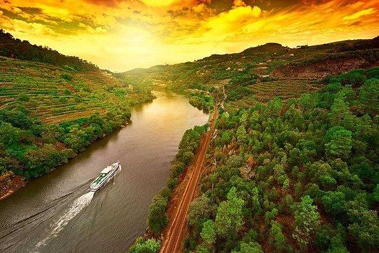 Søndagstur fra Porto til Régua med tog og retur med båt
