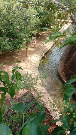 Minas Novas: Canal da barragem