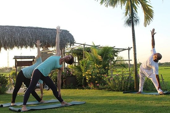 ‪Half Day Salute The Sun, Hoi An Sunrise or Sunset Yoga (Private tour)‬ صورة فوتوغرافية
