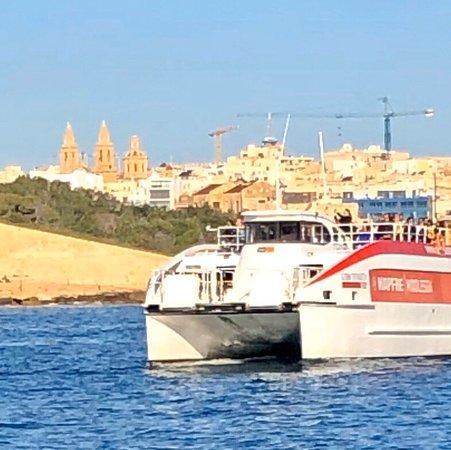 Cruising between Valletta and Sliema...