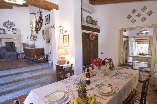 在Acitrezza的當地家中享用午餐或晚餐以及烹飪演示