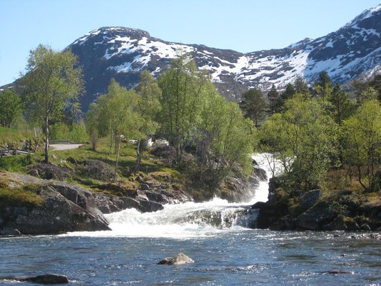 Adjacent to Route 13 is a leading route across 14 large waterfalls and 7 mountain lakes. Start your hike wherever you want, and it is possible to do the itinerary as you wish.  There are 4 starting points with signs, maps and parking. These are: * Torsnesstølen * The long chair * Waterfall Likholefossen * Eldal At our age we chose one, charming, nature piece at its best !!