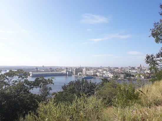 VIstas del puerto de la Habana desde El Cristo