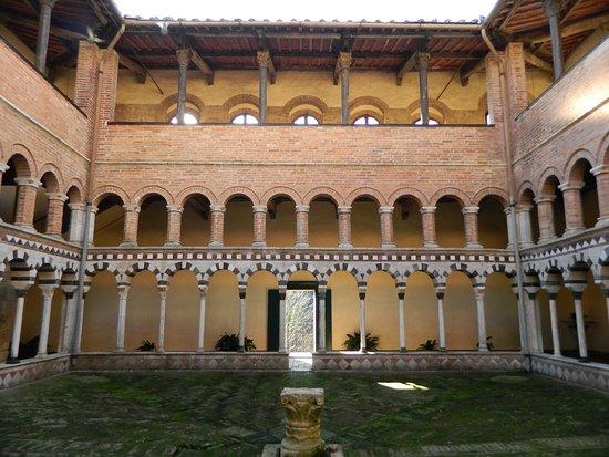 Chiostro abbazia di Torri