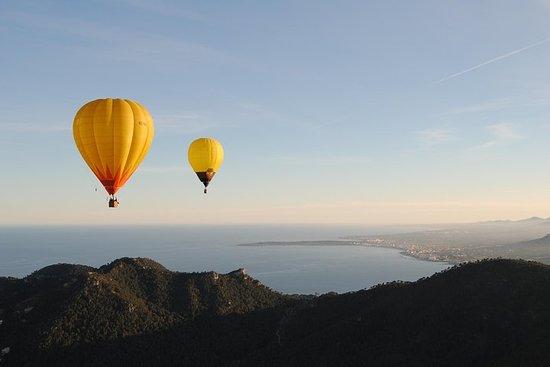 Survol de Majorque en montgolfière privée avec champagne et tapas