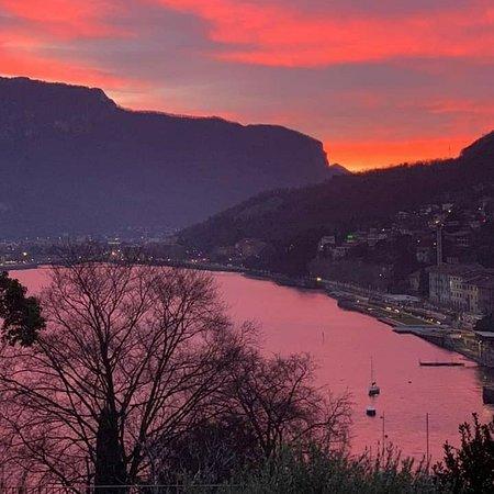 Gera Lario, Italy: Tramonto sul lago