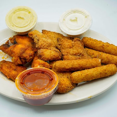 Enjoy our 3 samples appetizers!