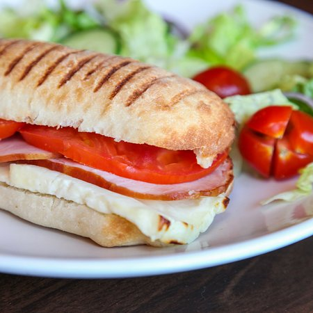 Heddons Kitchen, Lounza Halloumi Sandwich