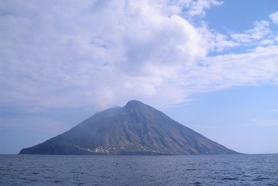 7-Day Sailing and Trekking in the Aeolian Islands