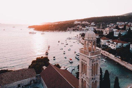 Tour guiado en barco a Hvar y Stari Grad