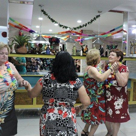 Pocos de Caldas, MG: Comemorações!!!  *Noite Havaiana*