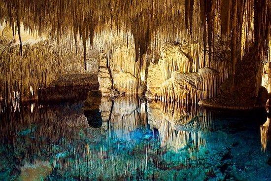 ドラッハ洞窟への半日ガイド付きツアー
