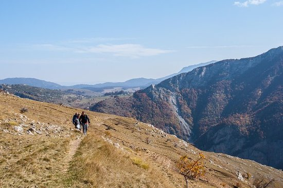 Hike from Umoljani village to Lukomir village