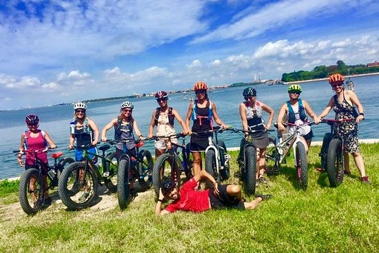 Offroad & Beach bike tour with appetizer