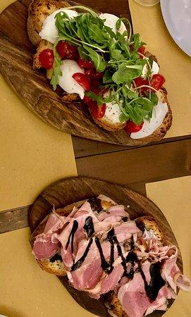 L'Antica Credenza in Matera, Italy - Wine, Caprese, Meats - Photo: Deciccophoto.com