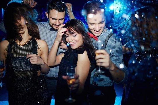 Фотография Edinburgh: New Year's Eve Warm Up Pub Crawl & New Year's Eve After Party
