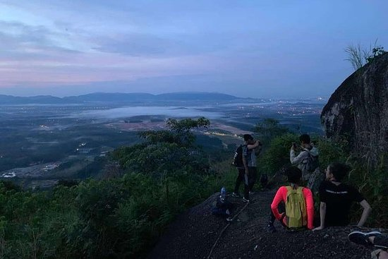 Sunrise Hill Trekking