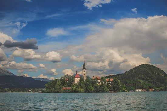 Slovenian Creamcake: Postojna & Bled full day sightseeing tour from...