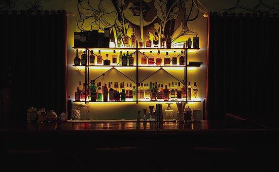 Buon Ma Thuot, เวียดนาม: Quầy bar đa dạng để khách hàng thưởng thức! Không khí yên bình!