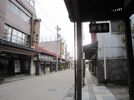 2雁木通り雁木に表示している寺名板